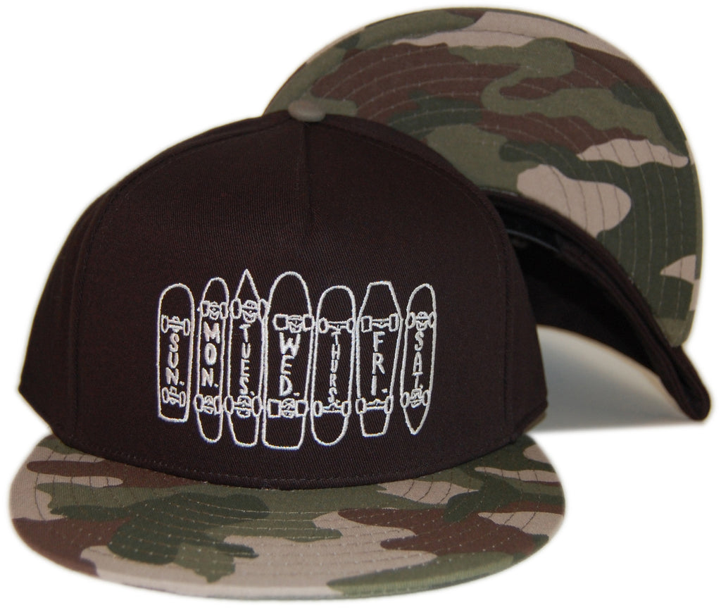 <!--020130507056438-->Bow+Arrow - 'Weekdays' [(Camo Pattern) Snap Back Hat]