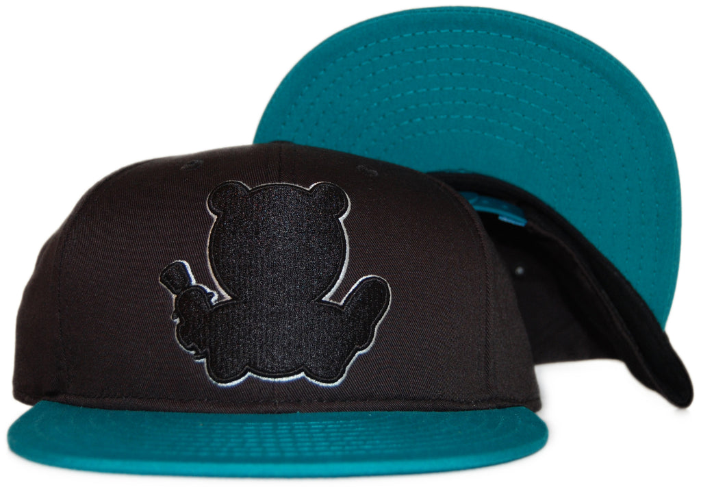 <!--020110927036295-->Entree - 'Teddy Silhouette' [(Black) Snap Back Hat]