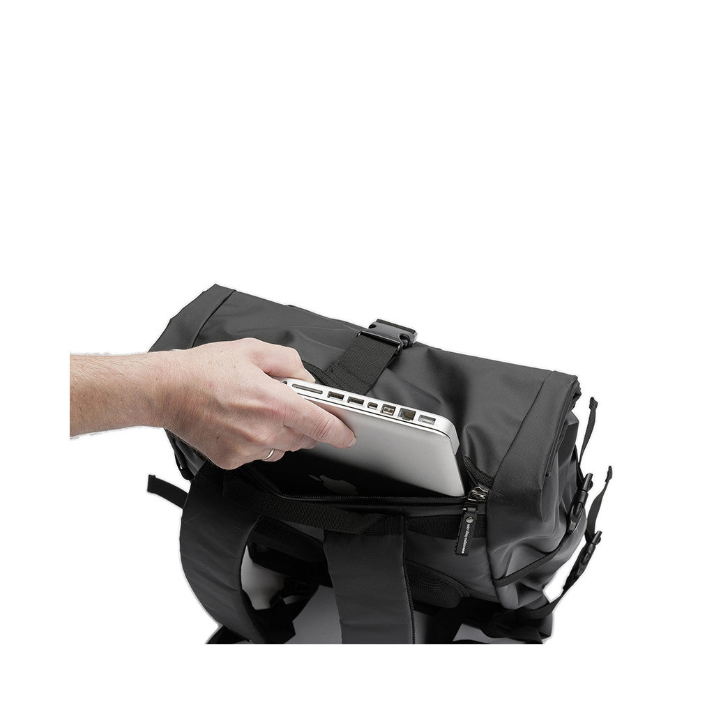 "<!--019000101069738-->Magma - 'Rolltop Backpack III' [(Black) 12"" Vinyl Bag]"