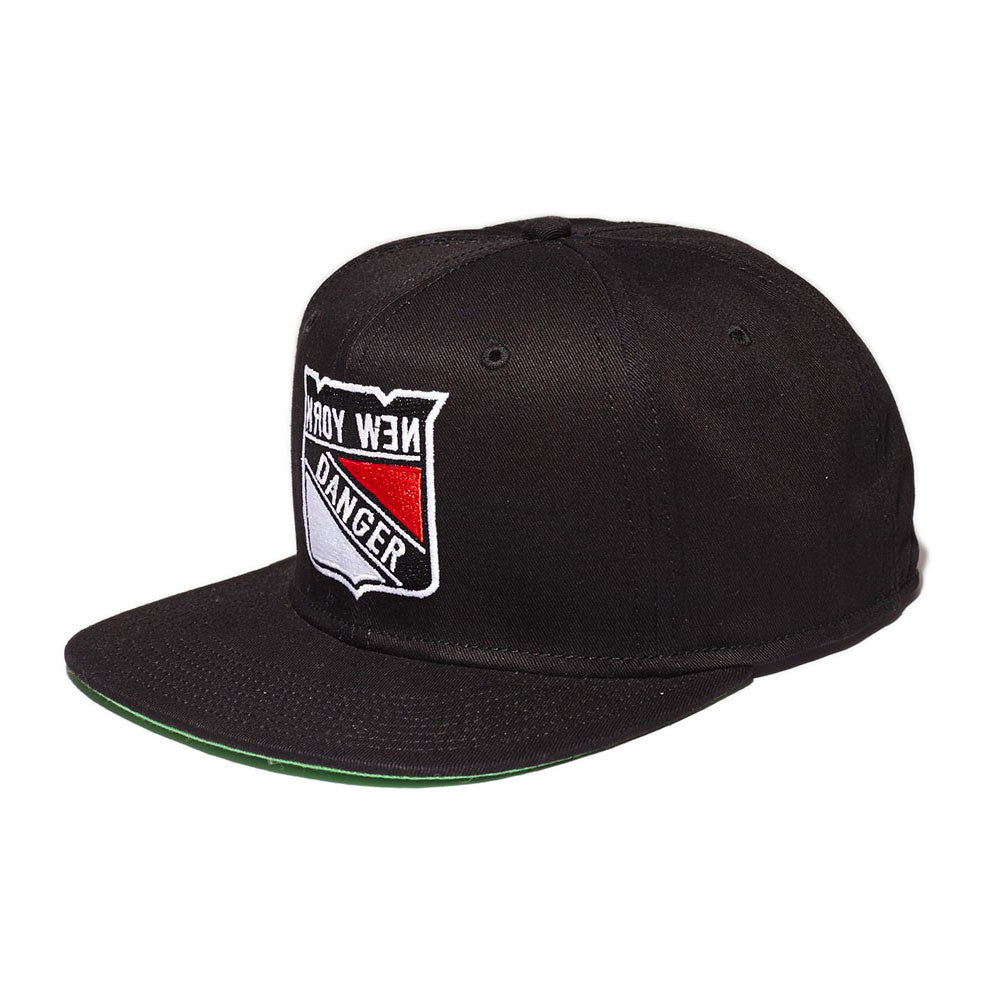 <!--020141105066880-->Mighty Healthy - 'NY Danger' [(Black) Snap Back Hat]