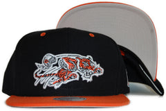 <!--020111213039046-->Mitchell & Ness x NFL - 'Cincinnati Bengals: Throwback NFL Logo' [(Black) Snap Back Hat]