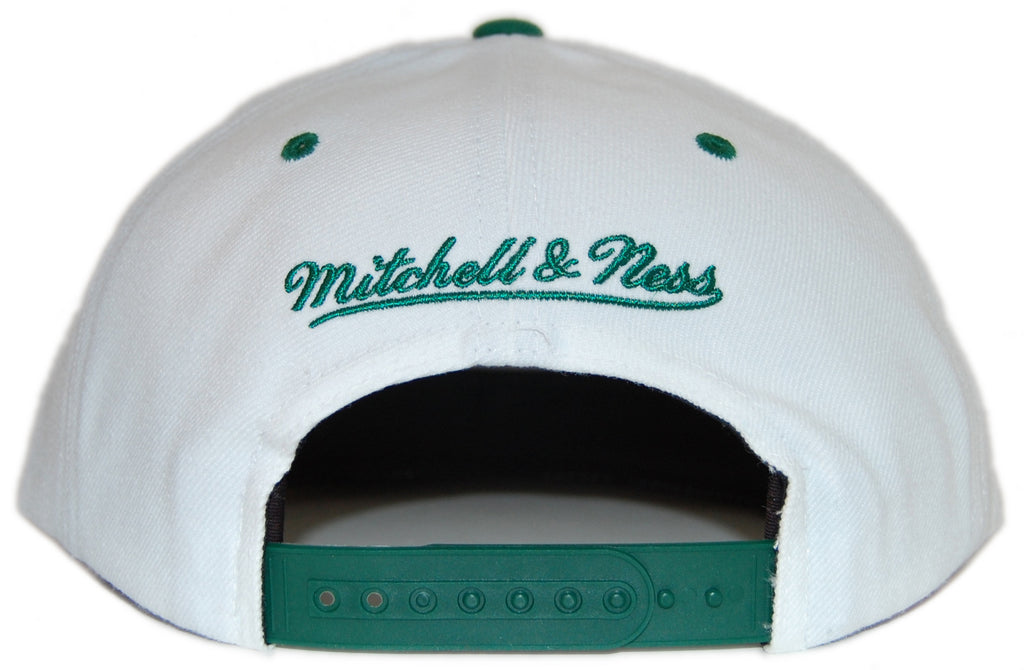 <!--020120612046008-->Mitchell & Ness x NBA - 'Boston Celtics: NBA Reverse Color Arch with Logo' [(White) Snap Back Hat]