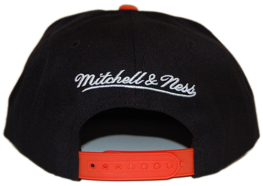 <!--020120821048163-->Mitchell & Ness x NFL - 'Cincinnati Bengals - NFL Throwbacks XL Logo 2 Tone' [(Black) Snap Back Hat]