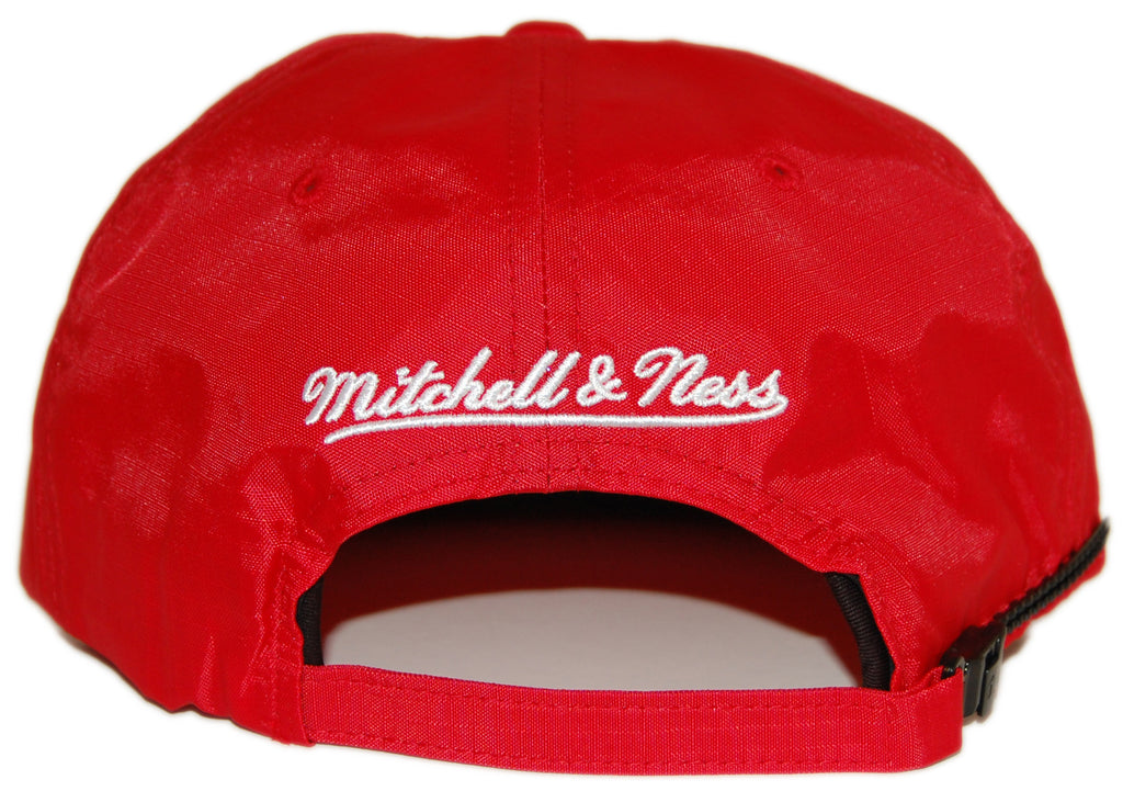 <!--020120717047298-->Mitchell & Ness x NHL - 'Detroit Red Wings - NHL Nylon Zipback' [(Red) Strap Back Hat]