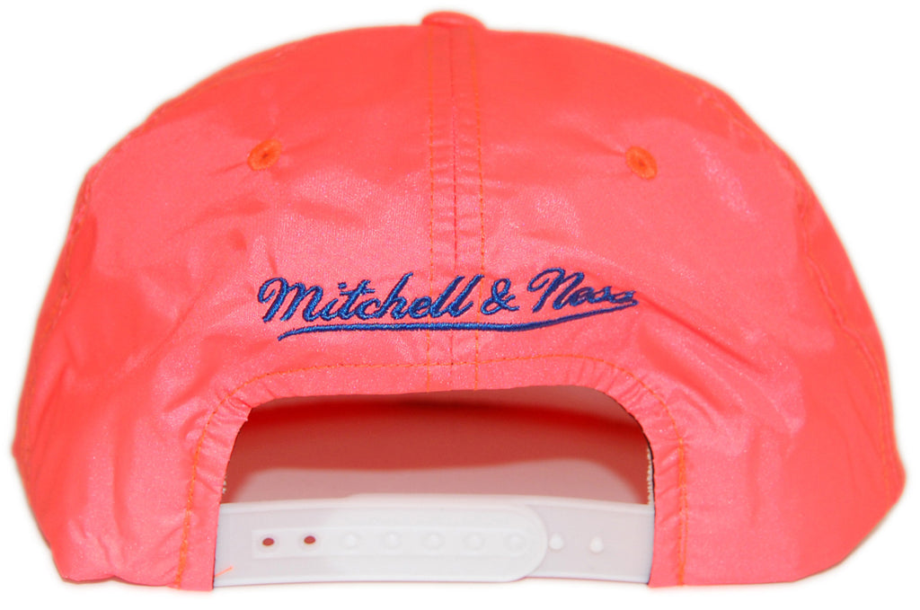 <!--020130226054267-->Mitchell & Ness x NBA - 'New York Knicks - Neon Pinch Panel' [(Orange) Snap Back Hat]