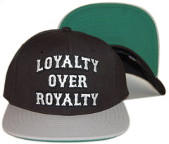 <!--020130903059302-->RAW - 'Loyalty Over Royalty - Gray' [(Black) Snap Back Hat]