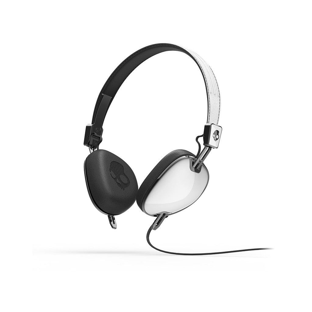 <!--020121120051192-->Skullcandy - 'Navigator w/ Mic' [(White) Headphones]