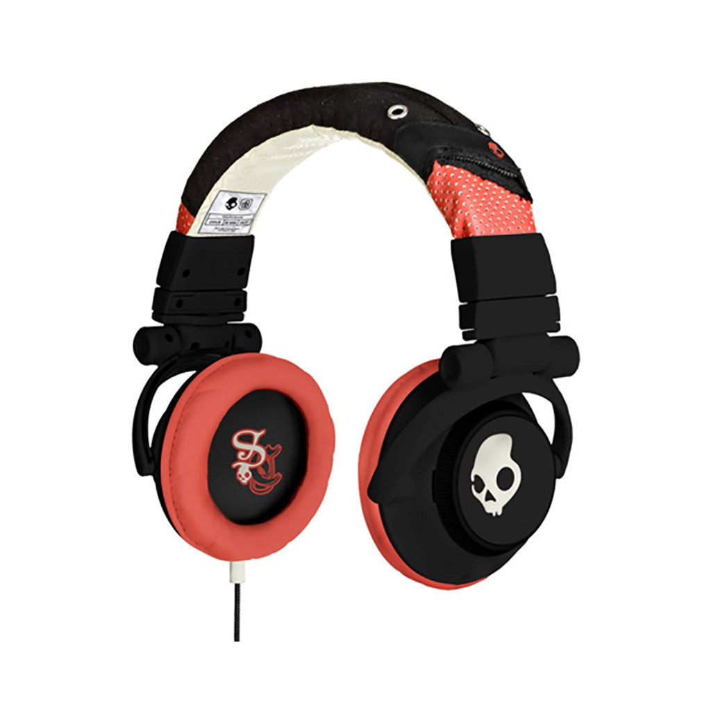 <!--020110419029459-->Skullcandy - 'G.I. w/ Mic' [(Shoe Black) Headphones]