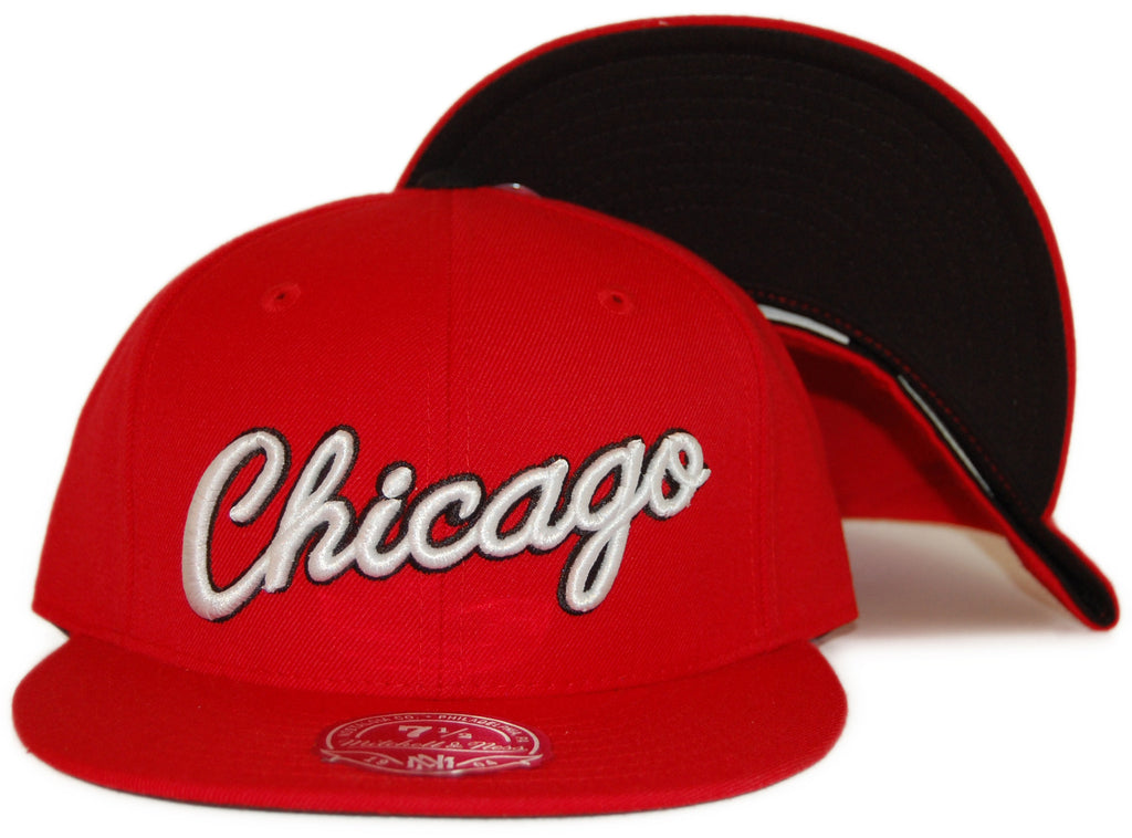 <!--2012030652-->Mitchell & Ness x NBA - 'Chicago Bulls: NBA HWC Alternate Logo' [(Red) Fitted Hat]