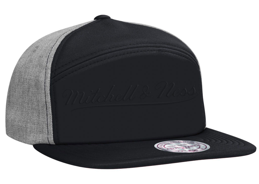 <!--020150410069195-->Mitchell & Ness - 'Debossed Foam Puff' [(Black) Snap Back Hat]