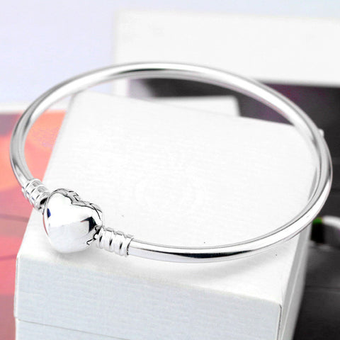 Silver Plated  Love Heart Bracelet - *FREE SHIPPING*