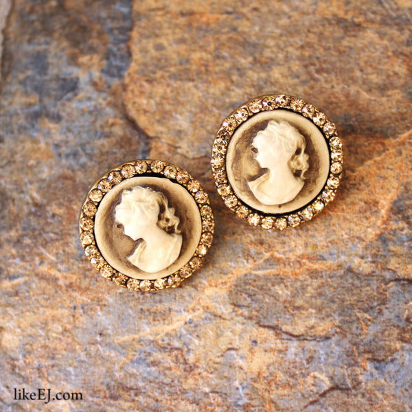Cameo Antique Earring - LikeEJ