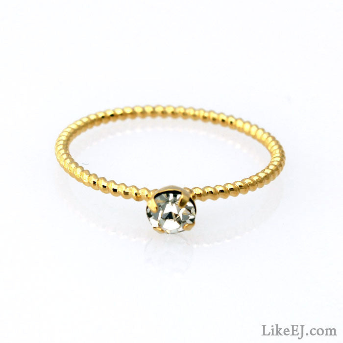 Small Diamond Ring - LikeEJ