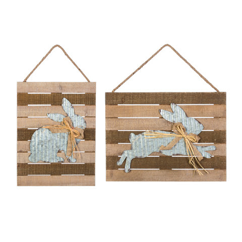 Wood Plank Decor w/Rabbit