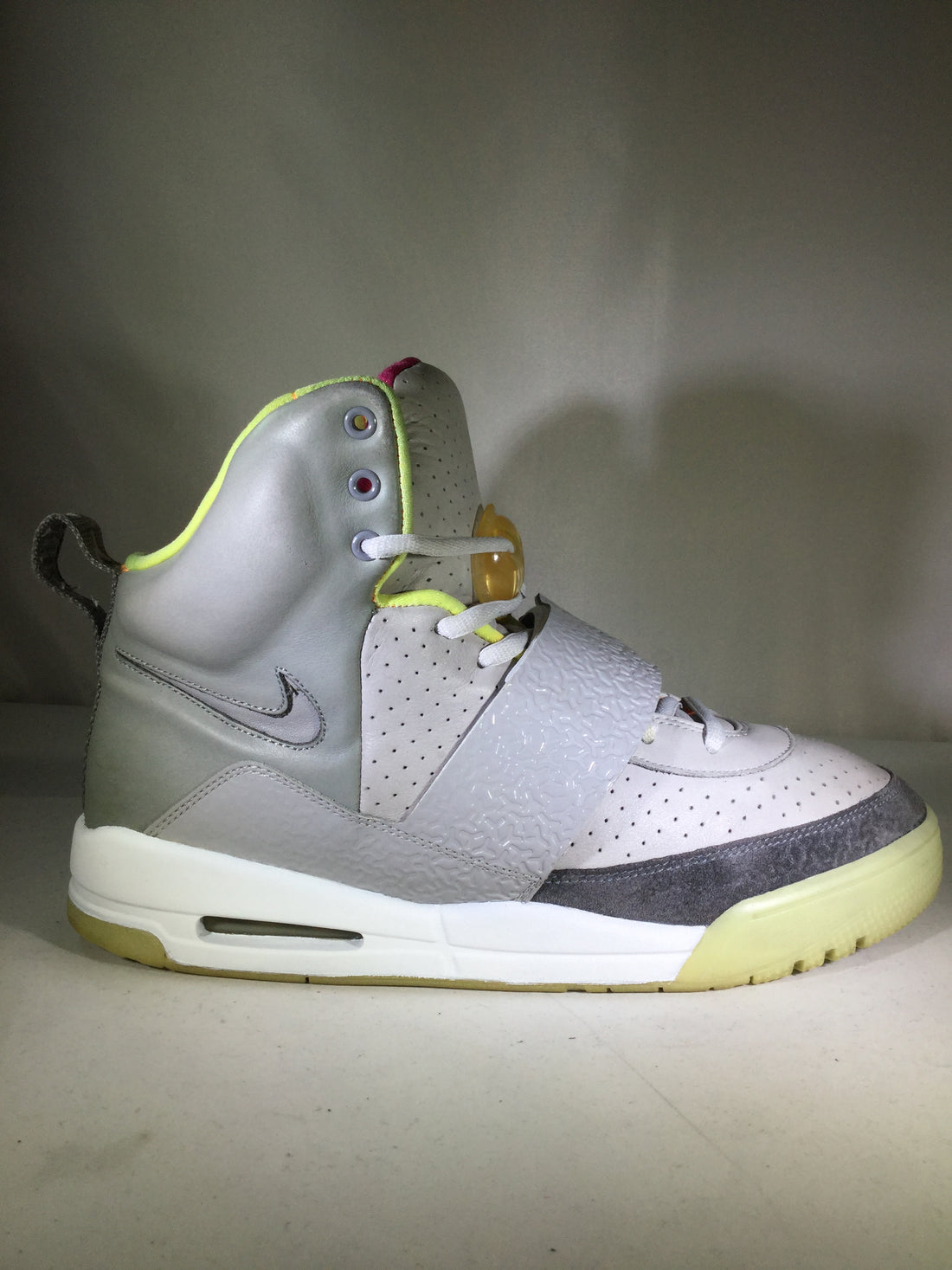 "Air Yeezy 1 ""Zen Grey"" - 366164-002"