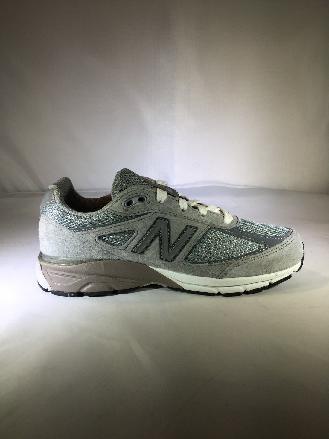 low priced b35af 31159 New Balance 990v4