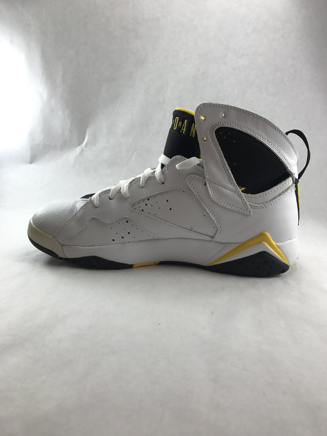 "Jordan 7 Retro ""Varsity Maize"" (Women)"