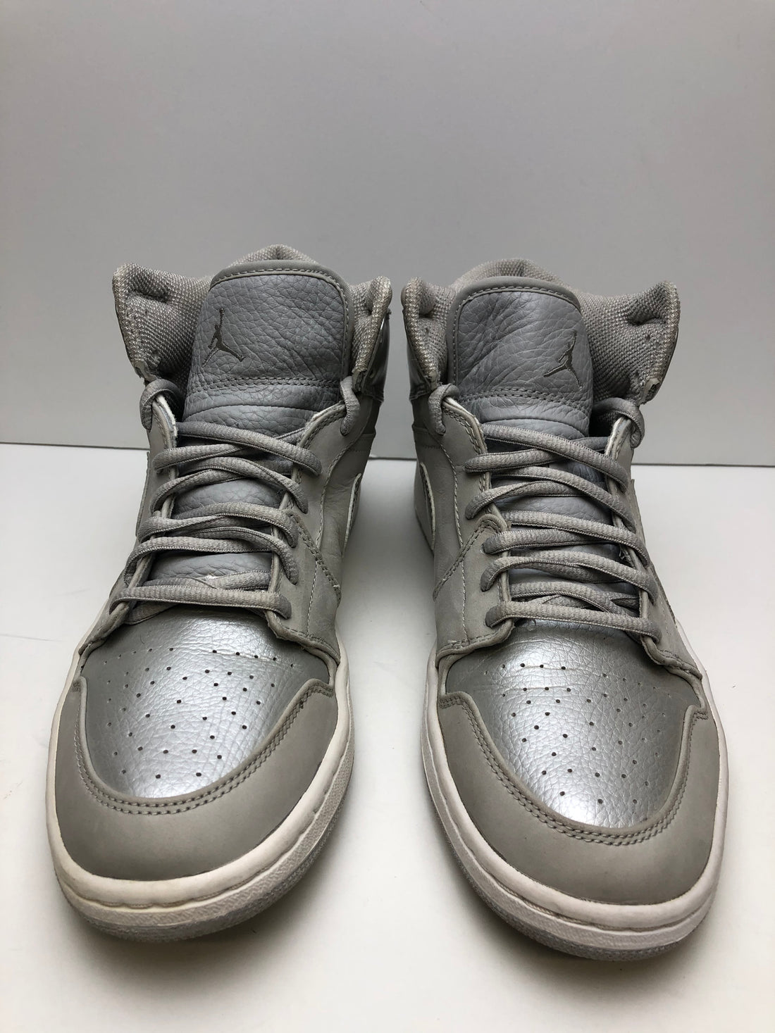 Jordan 1 Retro Neutral Grey