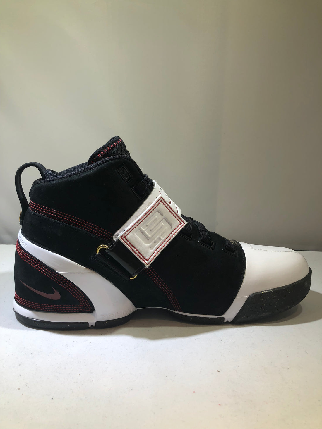 "Lebron 4 Zoom "" Black, White-Varsity Crimson"""