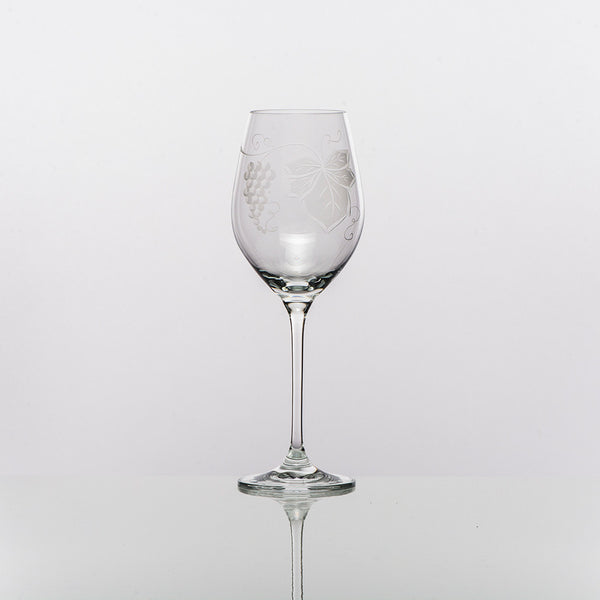 white-wine-glasses-harvest