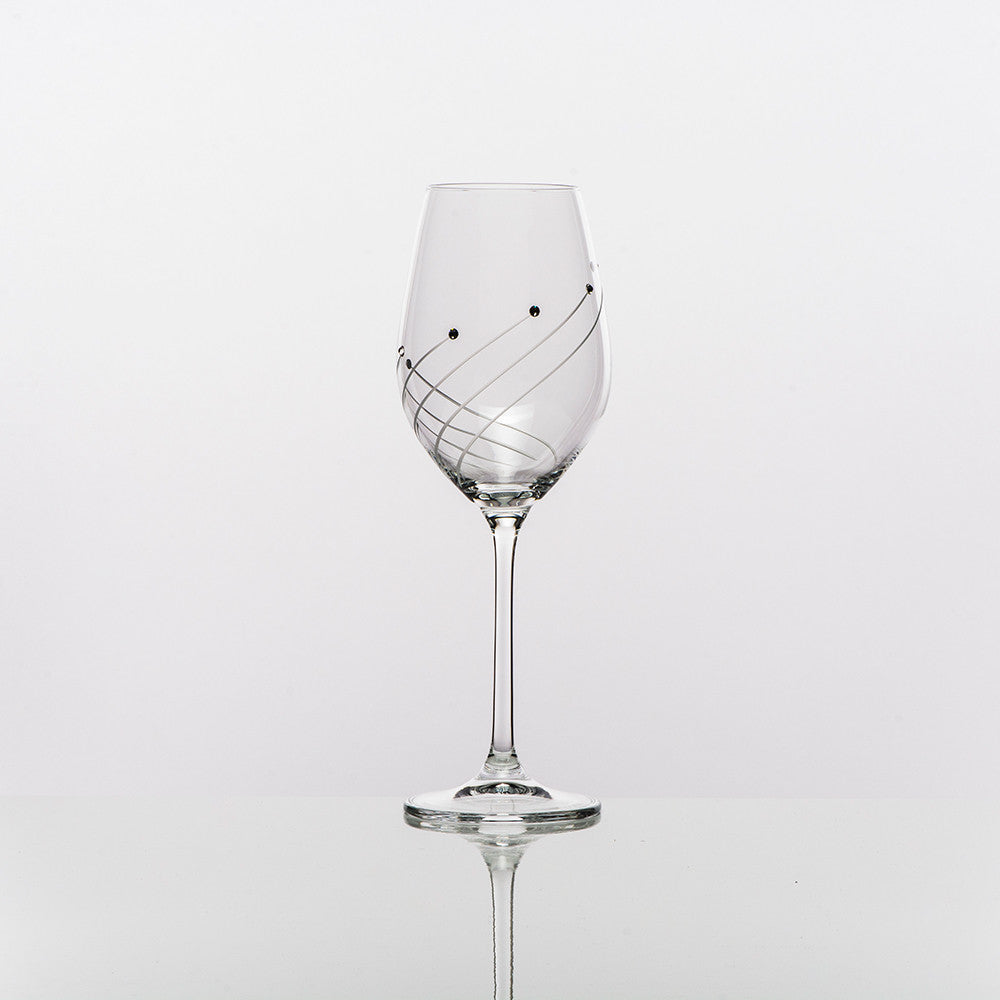 white-wine-glasses-marilyn