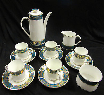 Porcelain Tea Set – Made in England – Antique – 11 Pieces