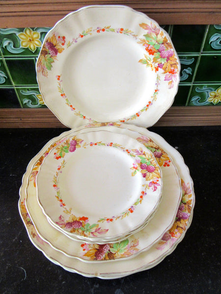 J & G Meakin Plate Set, Porcelain, Made in England