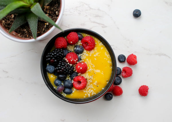 Turmeric mango smoothie bowl recipe | TurmericTeas.com