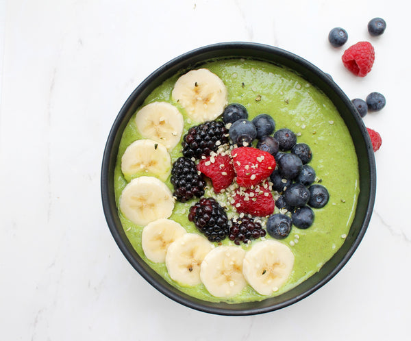 Green smoothie bowl with Turmeric