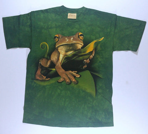 Frogs - Yellow-Eyed Frog On Leaf Mountain Shirt