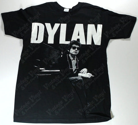 Dylan, Bob - Sitting At Piano Name on Top Shirt