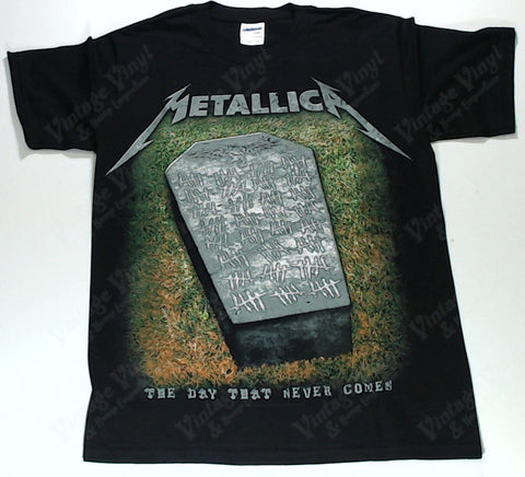 Metallica - The Day That Never Comes Grave Shirt