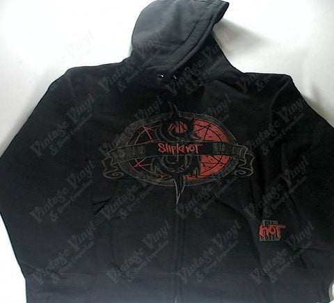 Slipknot - Nine Point Star S Logo And Banner Zip-Up Hoodie