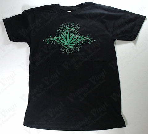 Leaf - Swirled Vines Weed Leaf Novelty Shirt