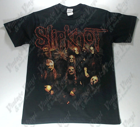 Slipknot - Band Looking Up Name On Front And Back Shirt
