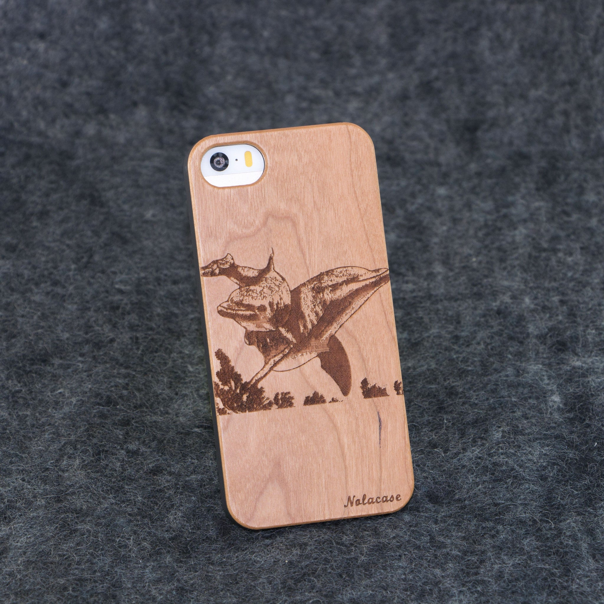 iPhone 5 / 5S Dolphins Slim Wood Case - NOLACASE