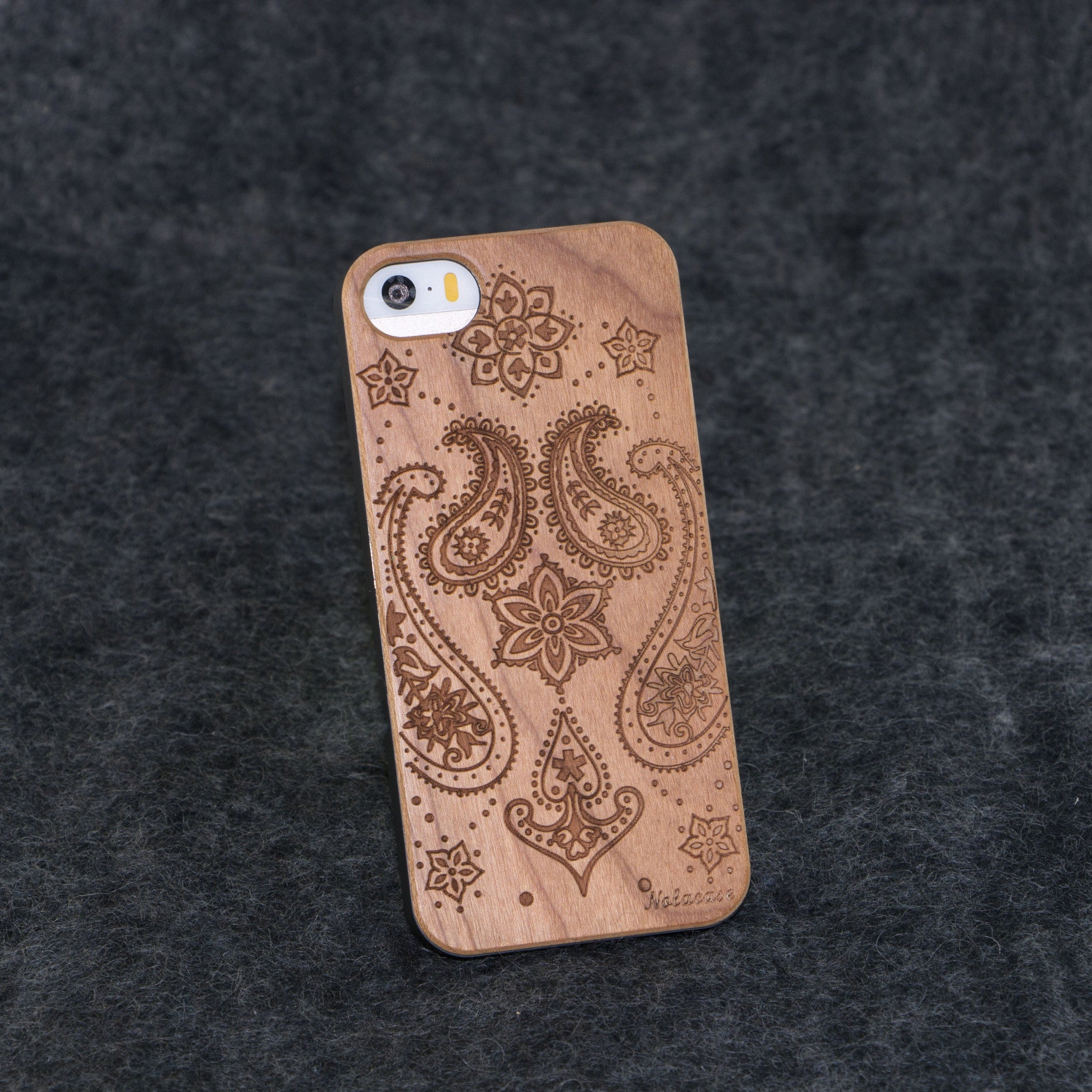 iPhone 5 / 5S Indian Flower Slim Wood Case - NOLACASE