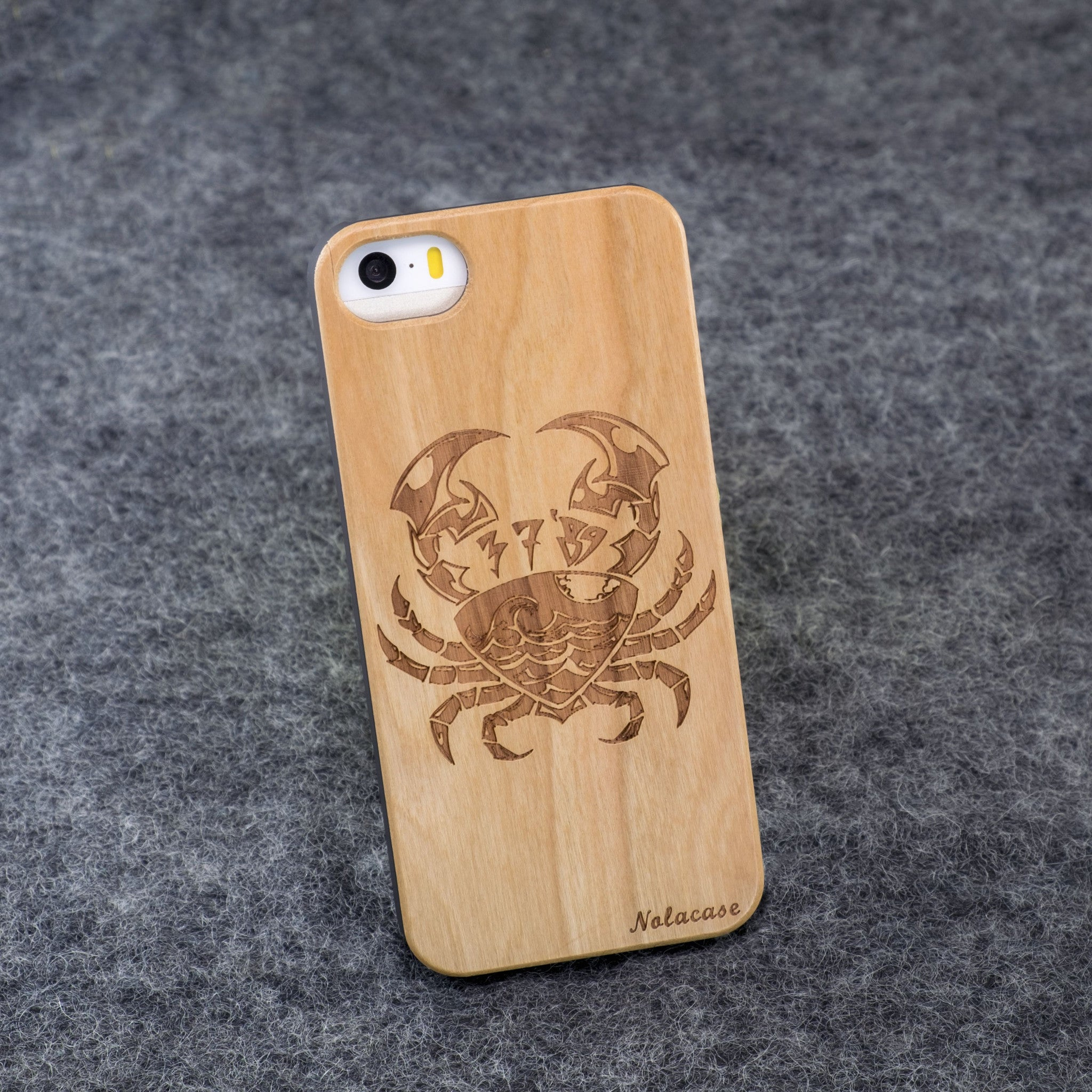 iPhone 5 / 5S Zodiac Signs: Cancer Slim Wood Case - NOLACASE