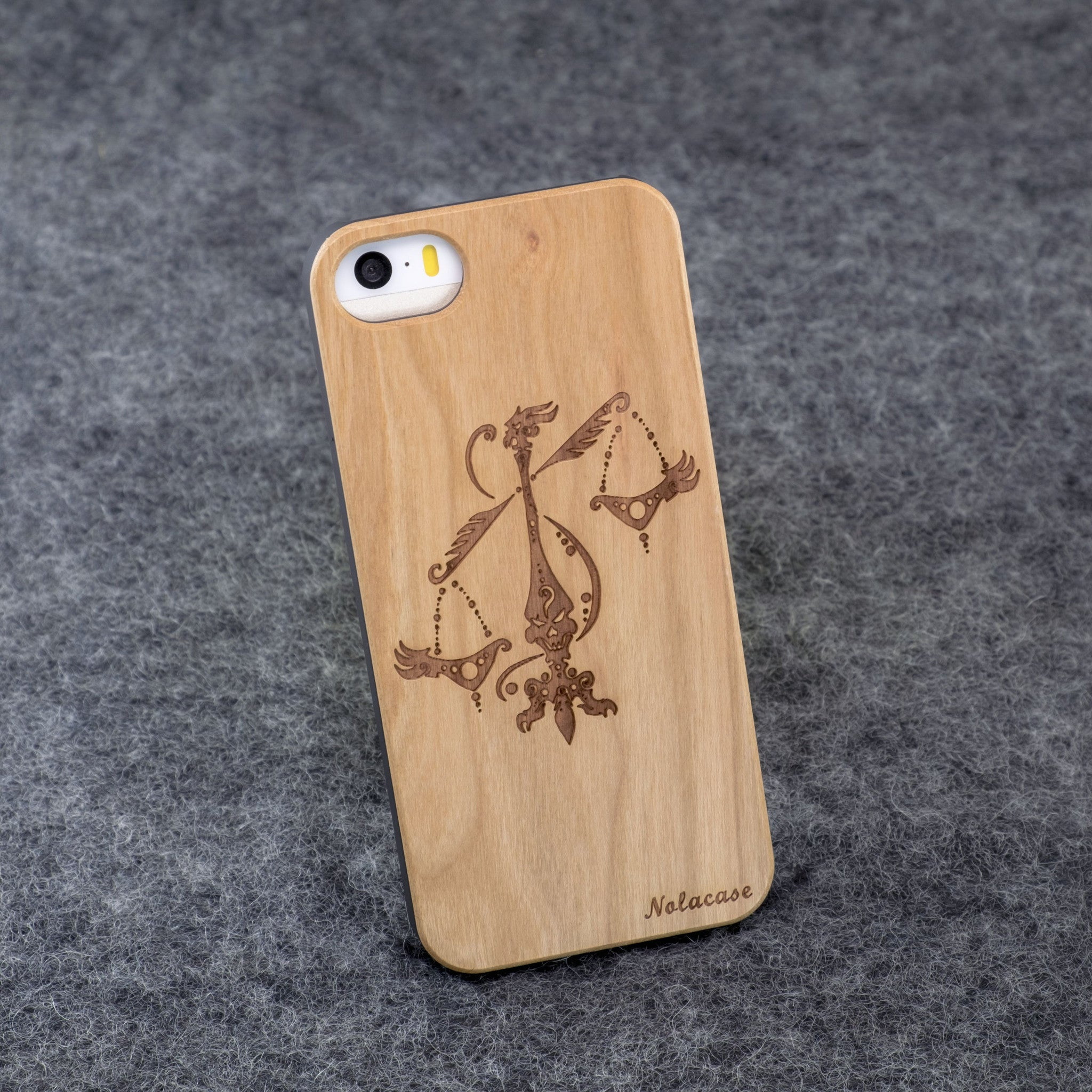 iPhone 5 / 5S Zodiac Signs: Libra Slim Wood Case - NOLACASE