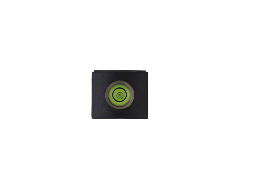 Camera body hot shoe spirit level