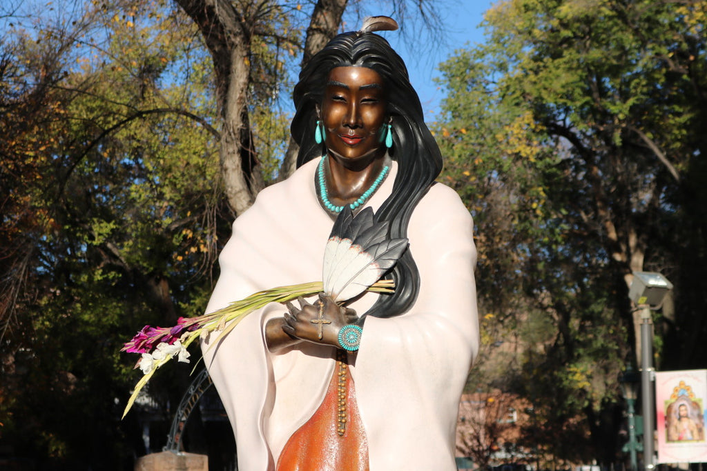 FIRST-NATIVE-AMERICAN-STATUE-SANTA-FE
