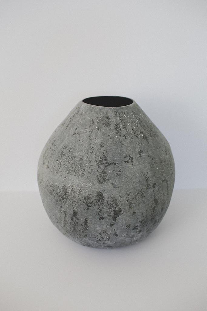 Medium Grey Vessel