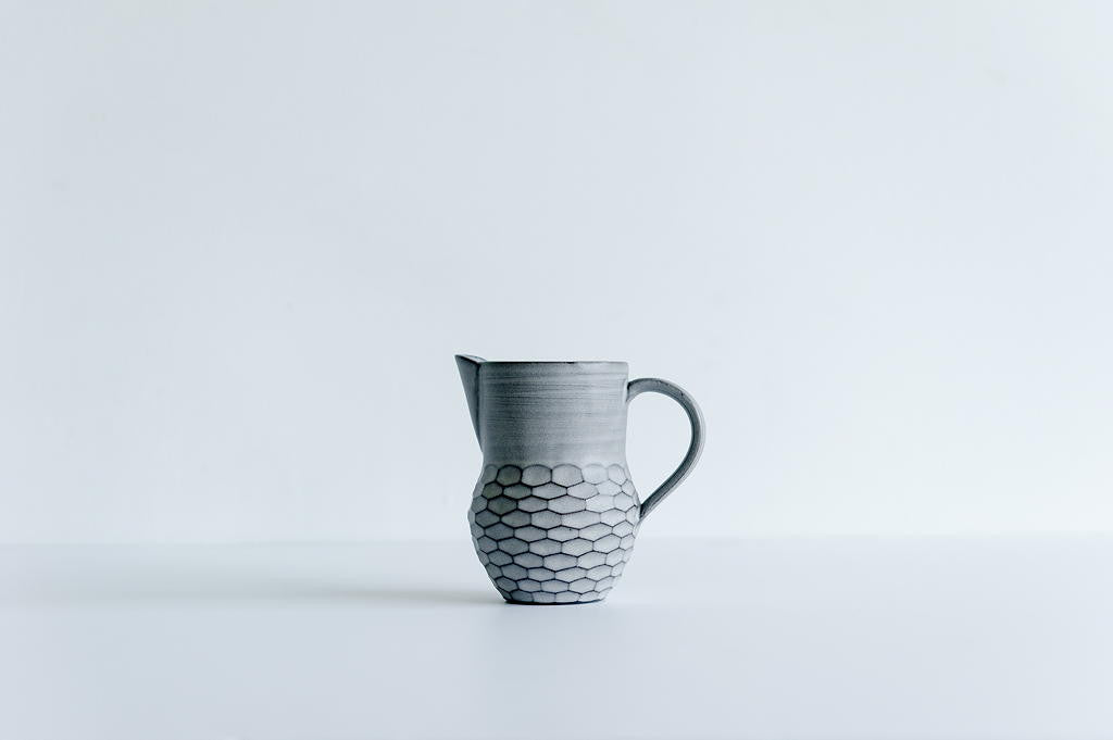 Grey Pitcher / Short
