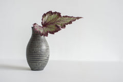 Semmon Flower Vase / Black / Grey