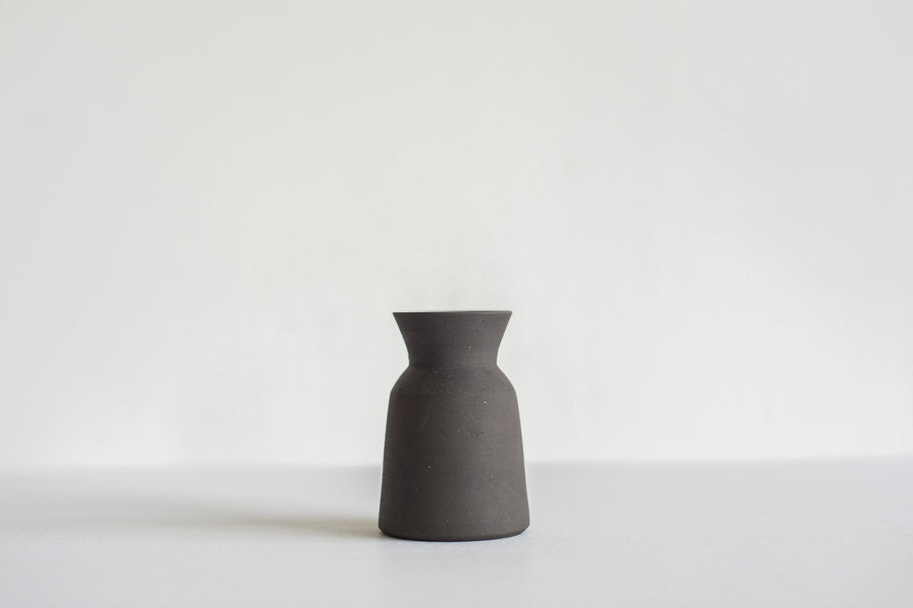 Carafe / Small / Black