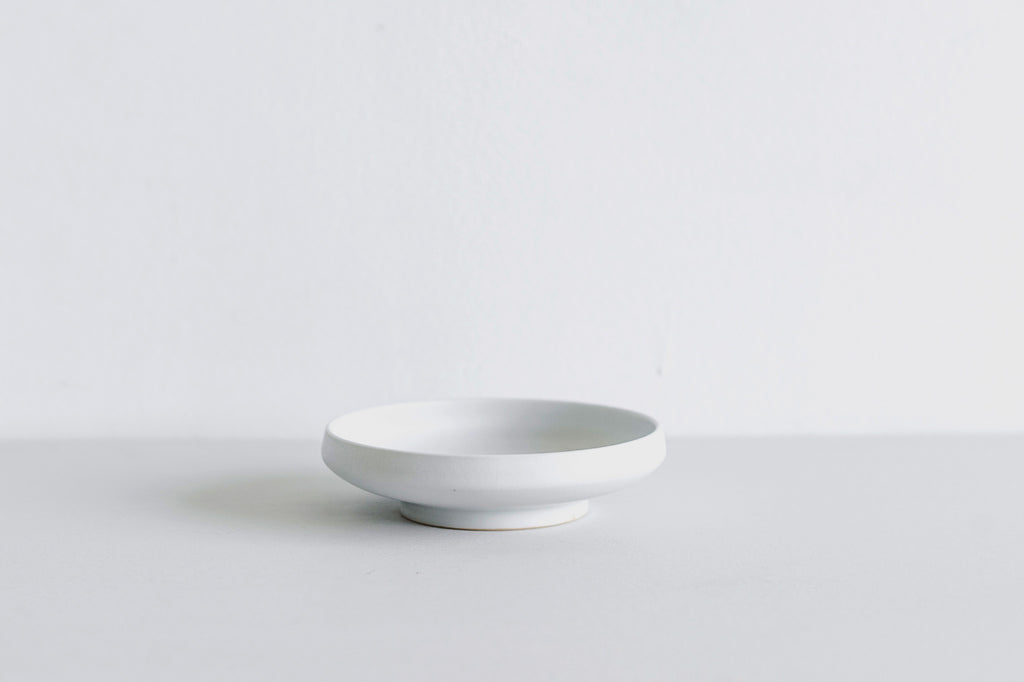 Shallow Bowl / White