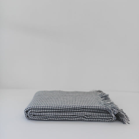 Tribeca Houndstooth Throw