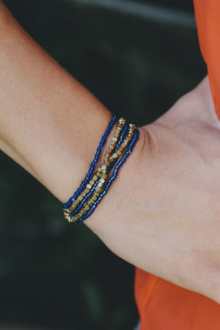 E412 - Dark Blue & Gold Elastic Bracelet
