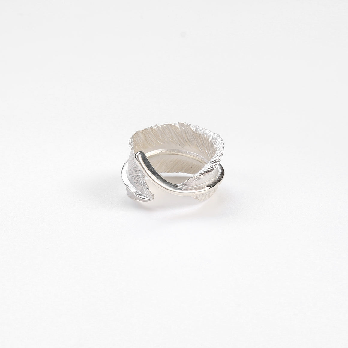 "Legend ""Curled"" X-Large Feather Silver Ring"