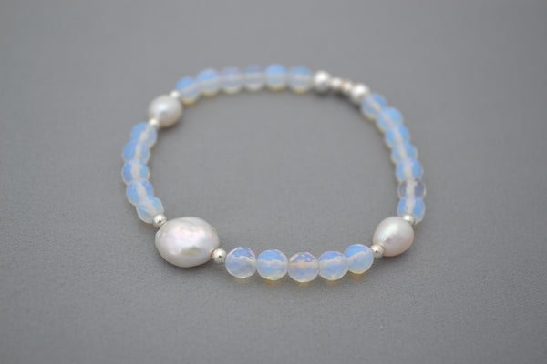 Moonstone, Freshwater Pearl and Sterling Silver bracelet